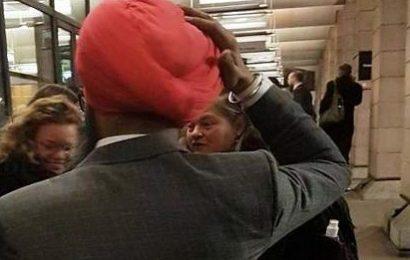 இங்கிலாந்து நாடாளுமன்றம் அருகே சீக்கியர் மீது இனவெறித் தாக்குதல்!