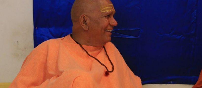 நியூயார்க்கில் இந்து சாமியார் மீது தாக்குதல்: டிரம்ப்பின் 'கோ பேக்' டுவிட் காரணமா?