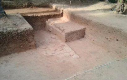 2500 ஆண்டுகள் முன்பு செங்கலால் தரைத் தளம் அமைத்த தமிழர்கள்: கீழடியில் கண்டுபிடிப்பு!